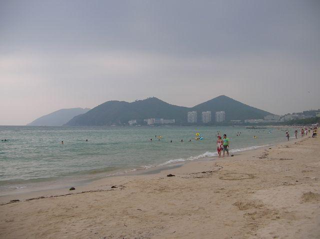 Бухта Дадунхай. Пляж.