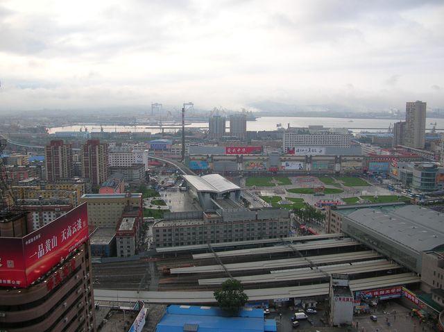 Город Далянь. Вид на залив