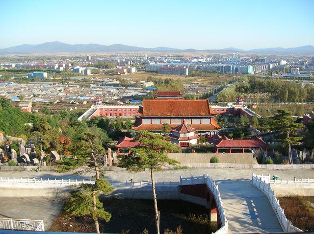 Город Хуньчунь с буддийского храма