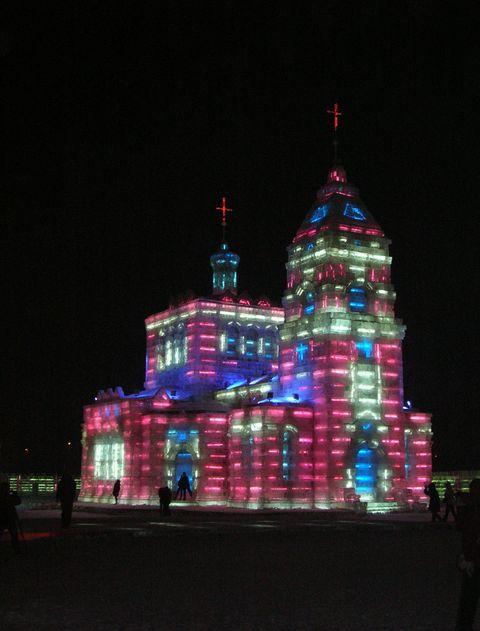 Ледяная церковь. Фестиваль ледовых и снежных скульптур в Харбине