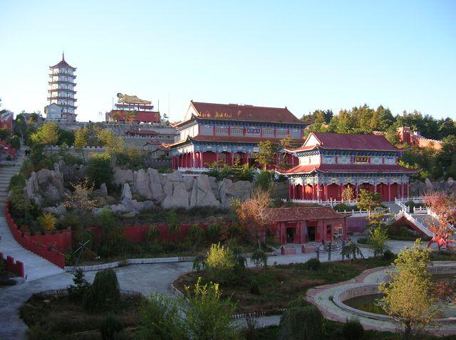 Монастырь Лин Бао