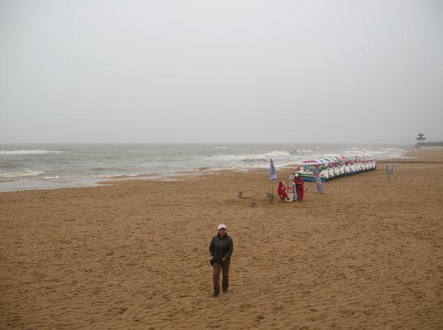 Пляж г. Бэйдайхэ в плохую погоду