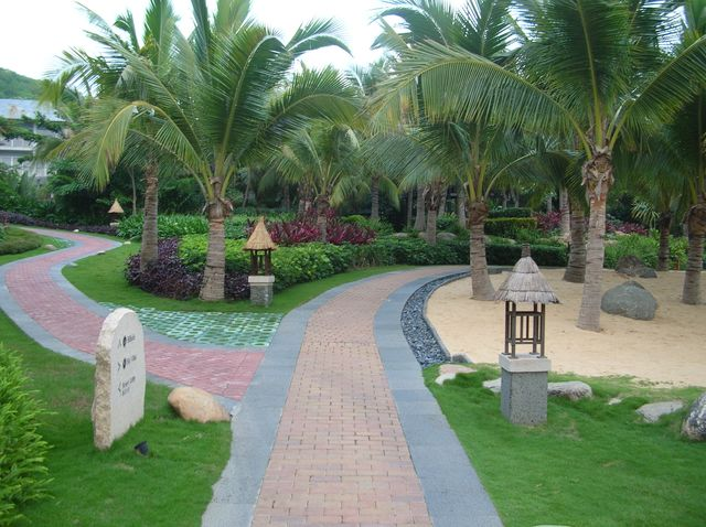 Дорожки в парке отеля Мандарин. Хайнань