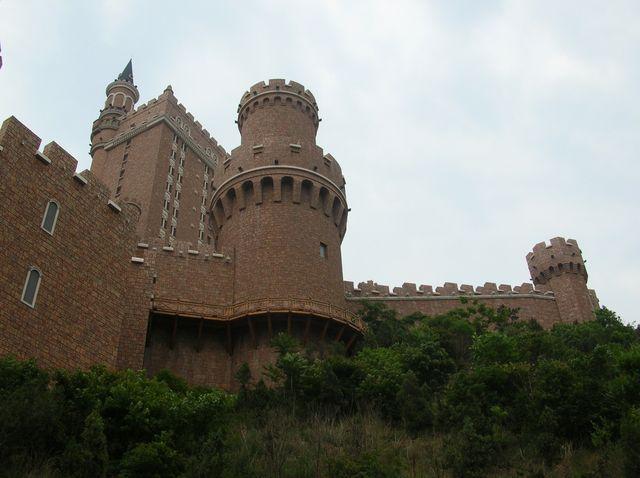 Замок в средневековом стиле. Город Далянь.