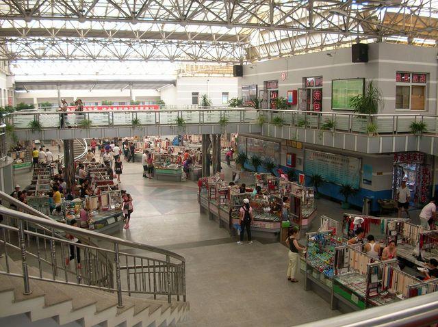 Жемчужный рынок. Курорт Бэйдайхэ