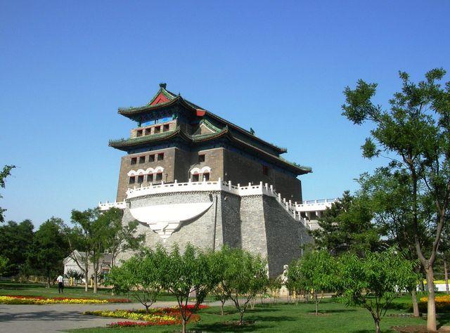 Башня Лучников. Вид сбоку. Пекин