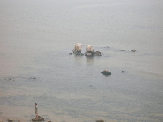Камни в море напоминают разбитое сердце. Бэйдайхе