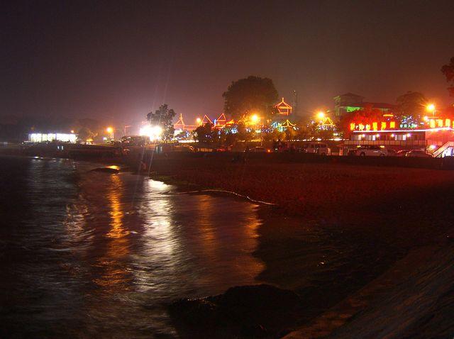Пляж возле парка Билота. Бэйдайхэ