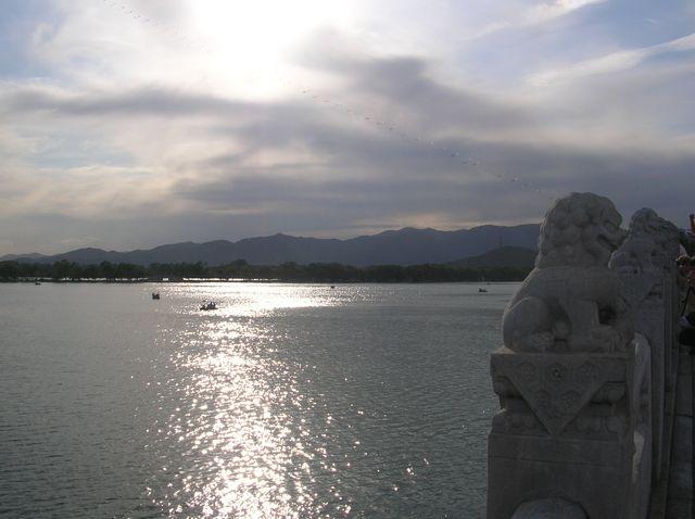 Закат на озере Куньминху в Летнем императорском дворце