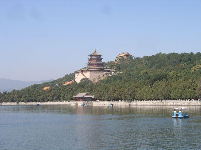 Храм Фосянгэ Зал ароматов Будды центральная постройка парка Ихэюань