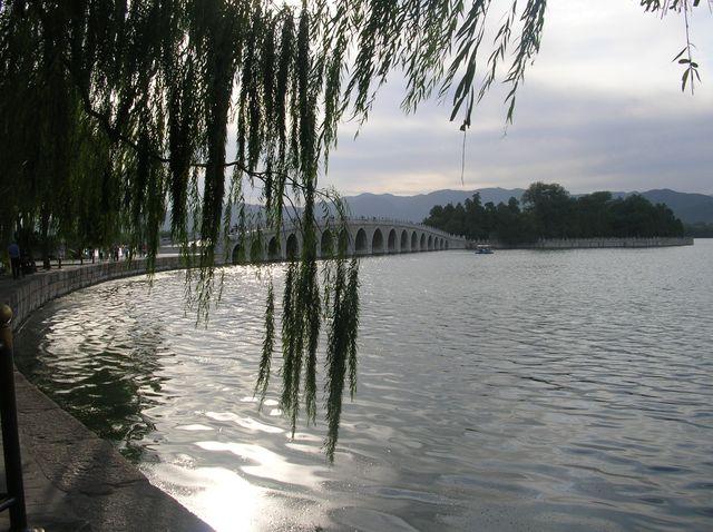 Вид на мост Шицикунцяо. Пекин