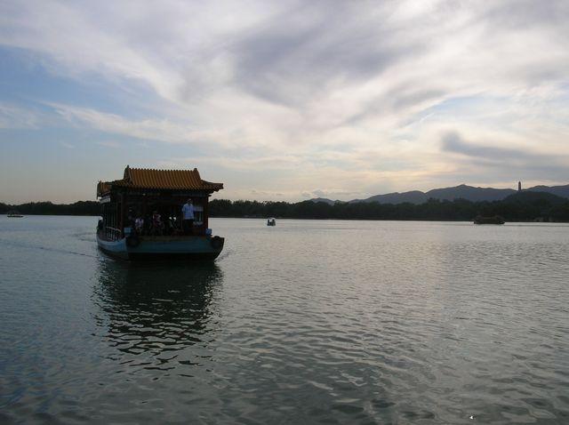 Озеро Куньминху. Пекин