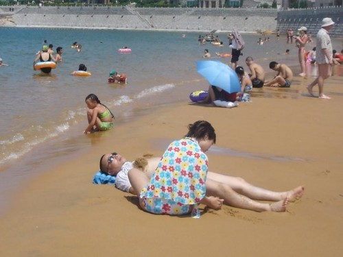 Отдых на пляже г. Вэйхай
