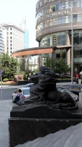 Львы и тигры - излюбленные символы в Китае