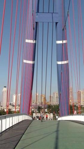 Мост на площади Синхай, город Далянь
