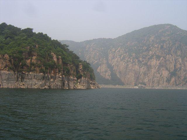 Берег озера Янсай. Бэйдайхэ