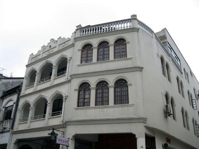 Фасады некоторых домов в Бэйхае выдают их европейское происхождение