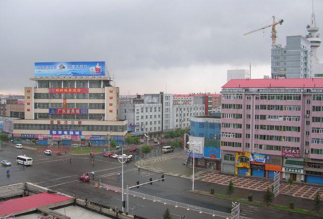 Пасмурное утро. Город Цзямусы