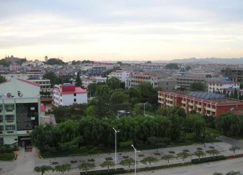 Бэйдайхэ с балкона гостиницы Яньшань