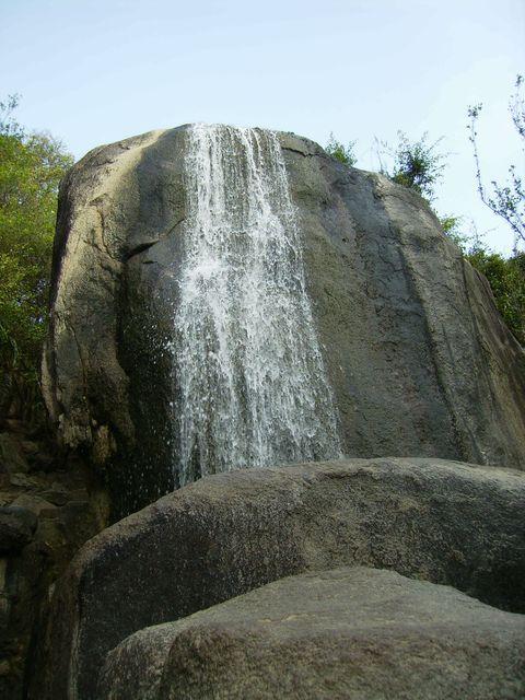 Водопад в парке Край Света. Санья