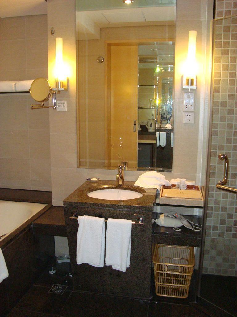 Ванная в номере отеля. Вэйхай
