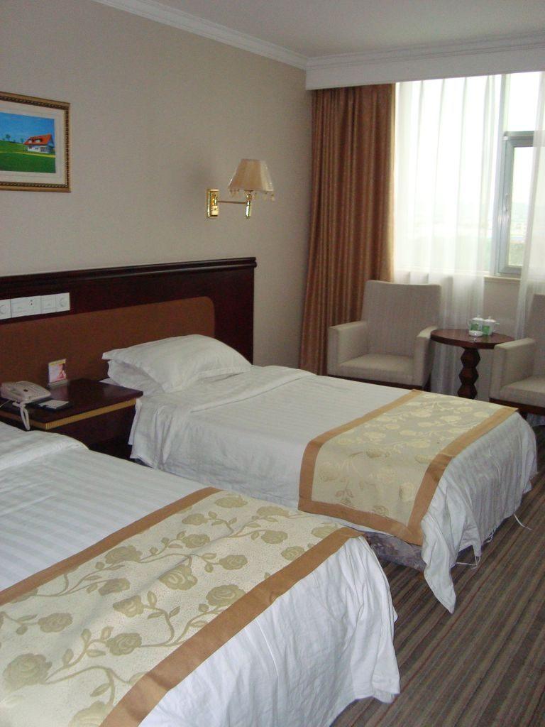 Комната с видом на город. Гостиница Jiu jiu