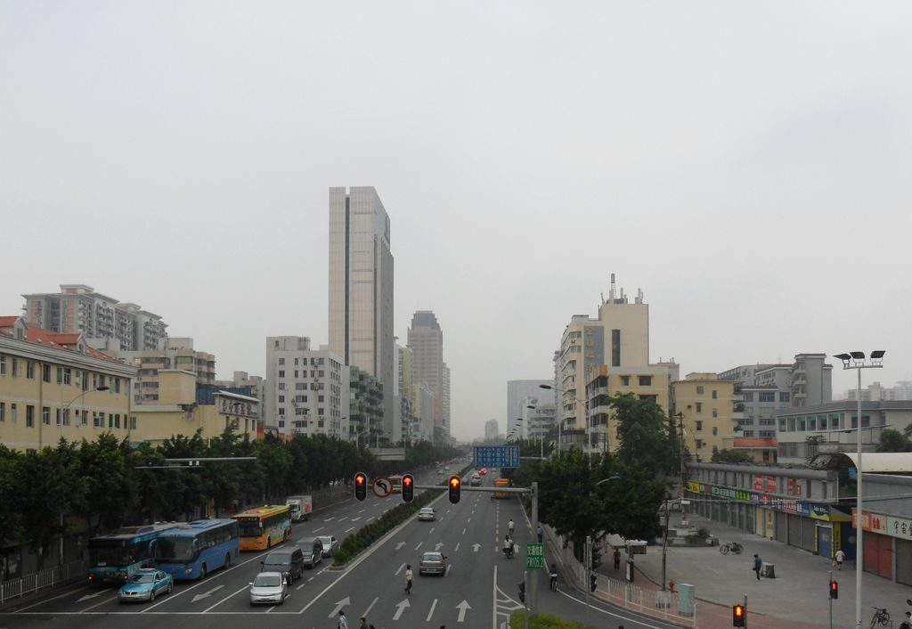 На улице города Шеньчжень