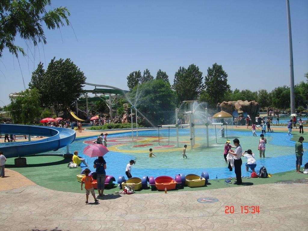 Аквапарк в городе Шанхайгуань