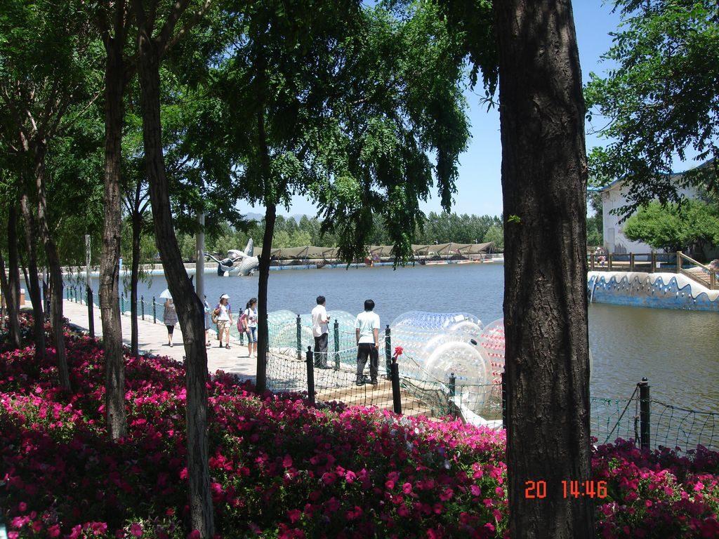 На территории аквапарка. Шанхайгуань