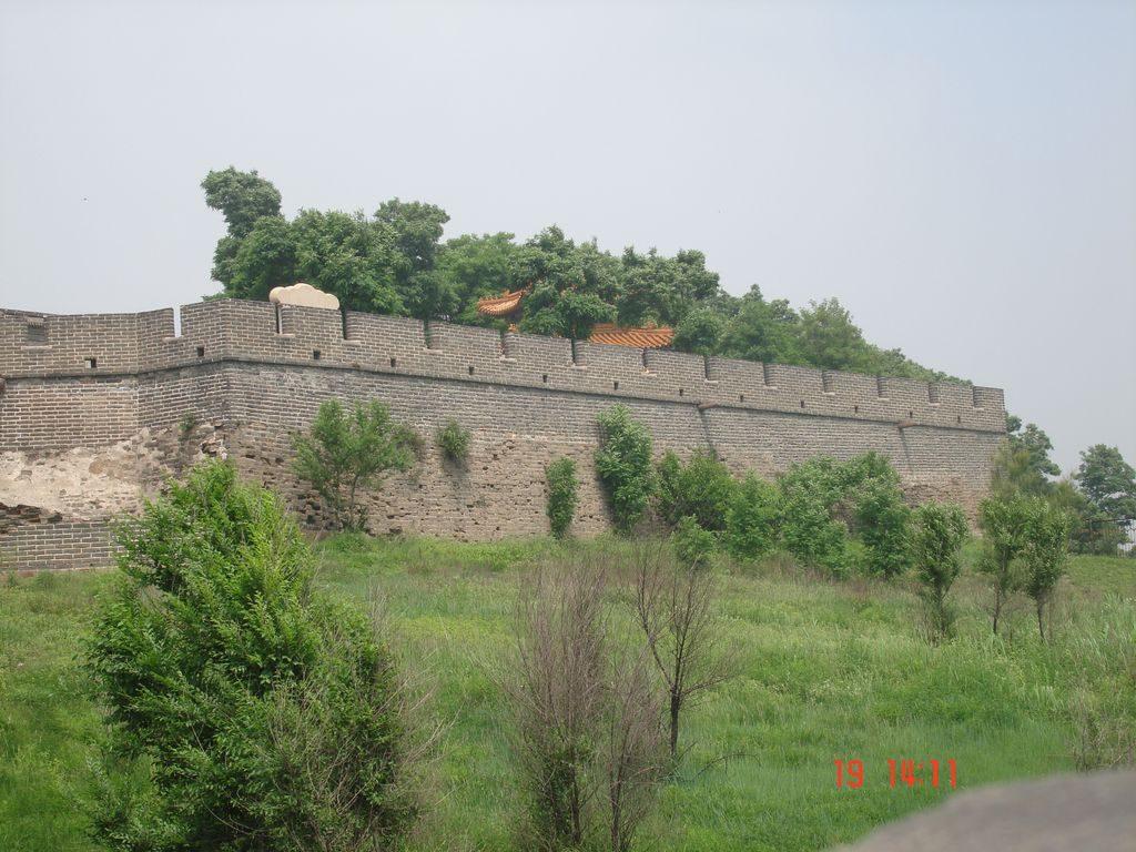 Фрагмент Великой китайской стены Лаолунтоу