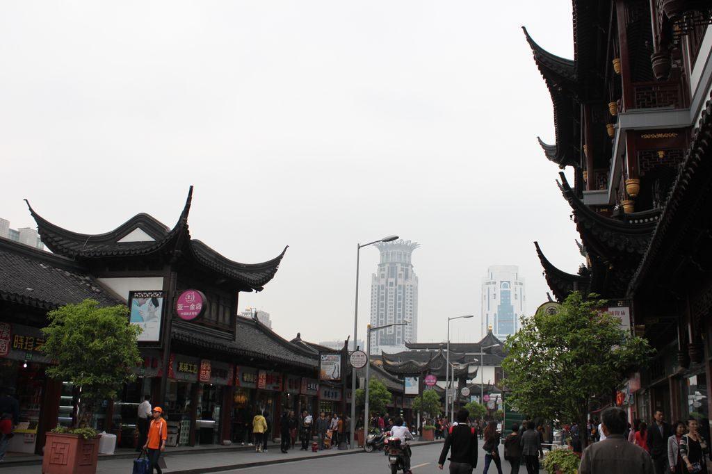 Старая улица в Шанхае