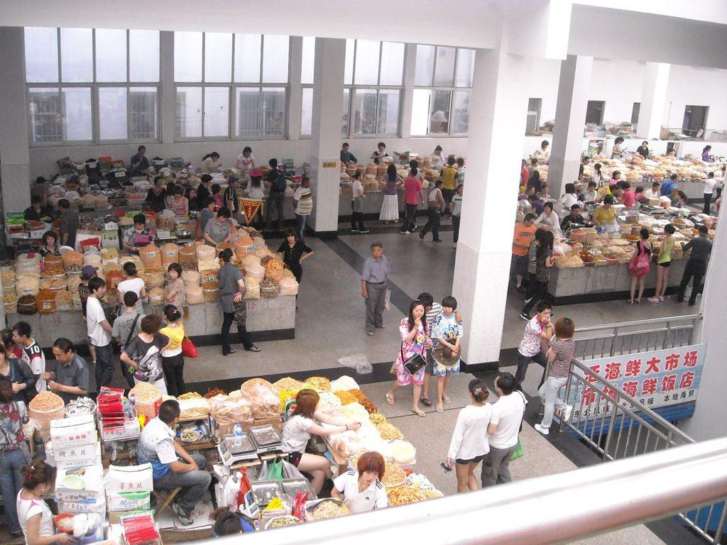 Зал морепродуктов в Жемчужном рынке