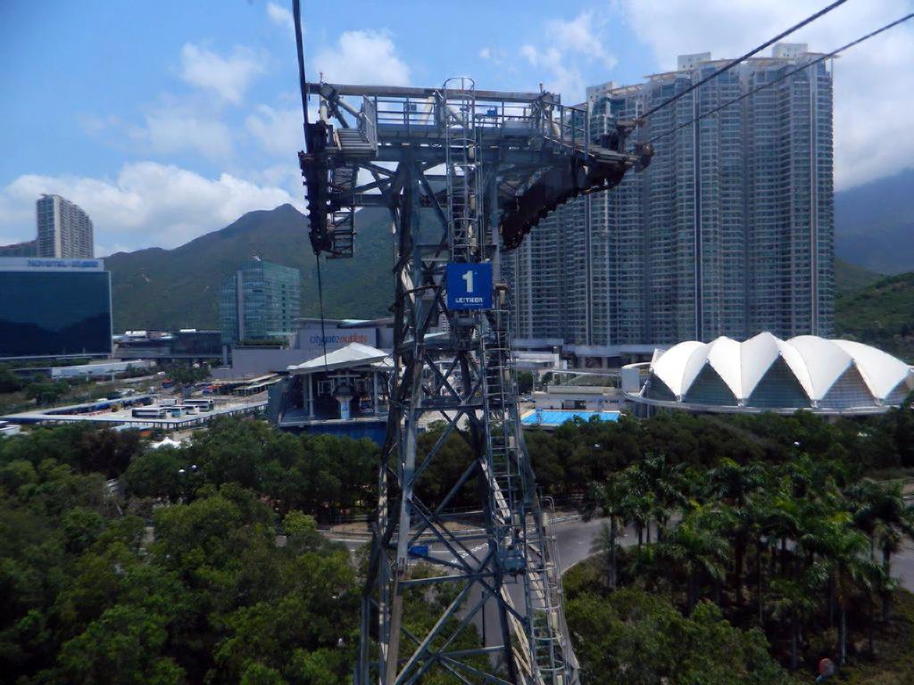 Канатная дорога Ngong Ping в Гонконге