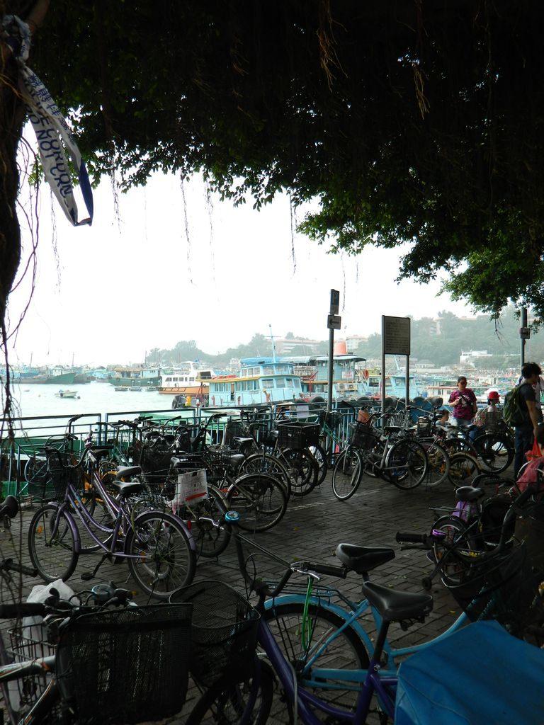 Велосипеды на острове Ченг Чау, Гонконг
