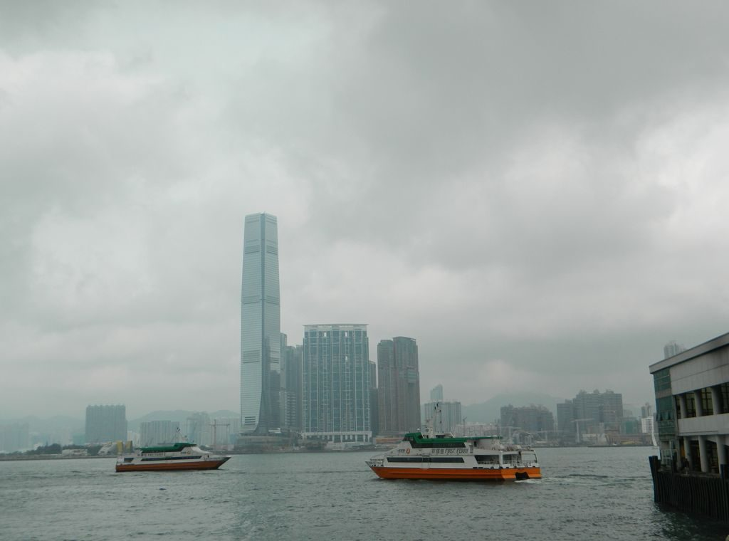 Вид на Коулун с центрального причала, Гонконг
