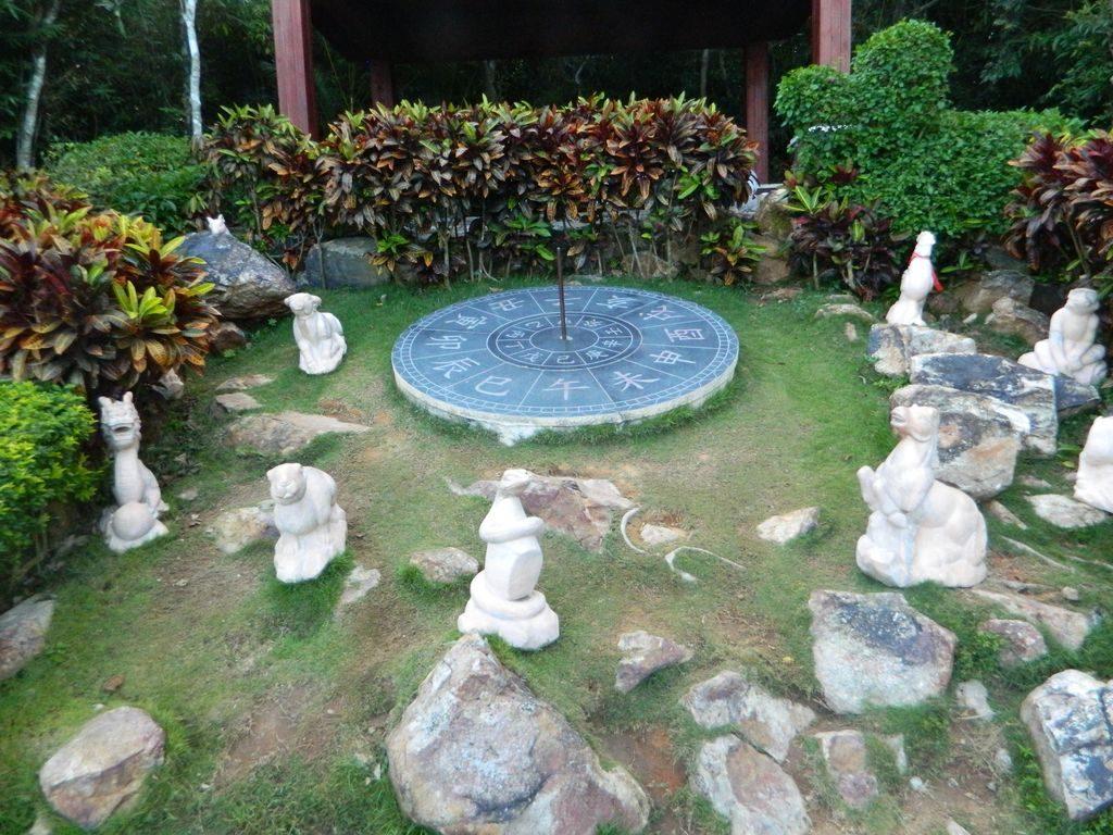 Скульптуры в парке Феникс, Санья