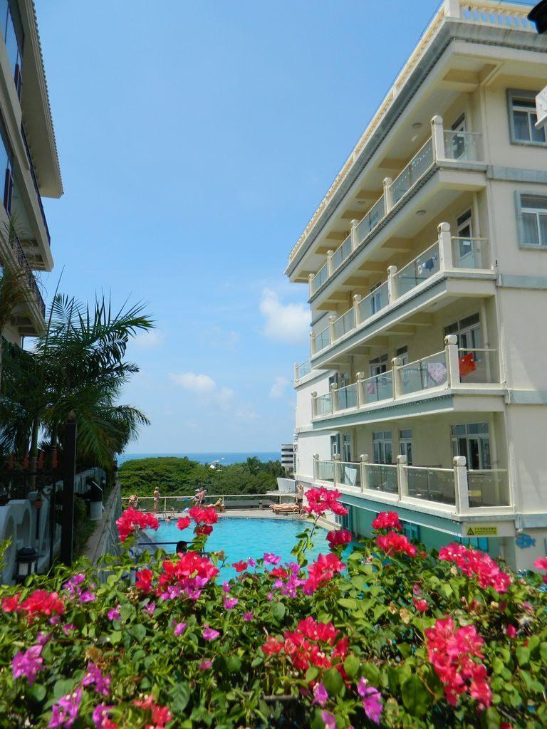 Бассейн отеля Linda Sea View, город Санья