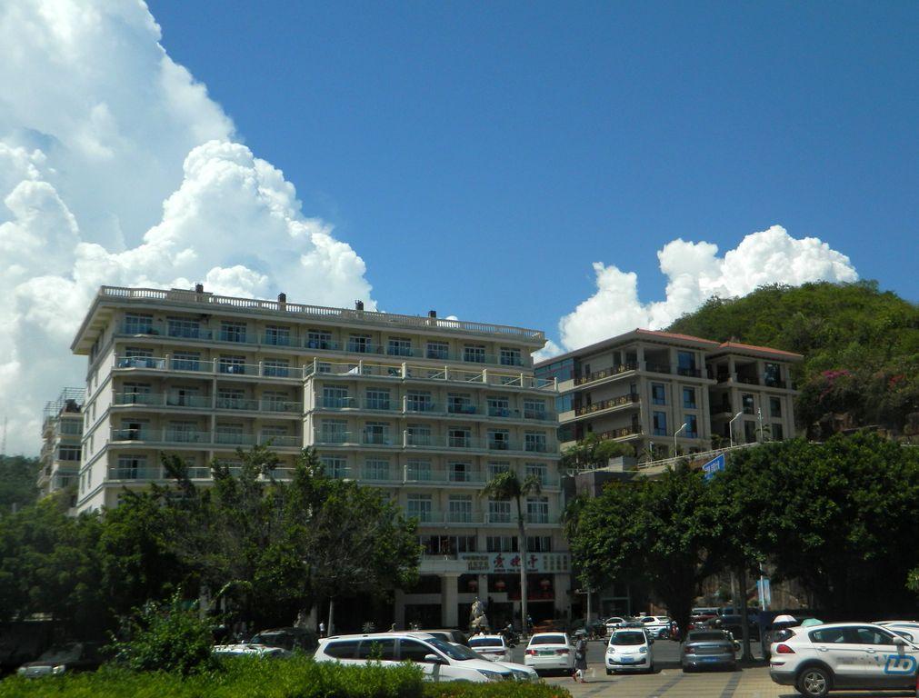 Здание отеля Linda Sea View, город Санья