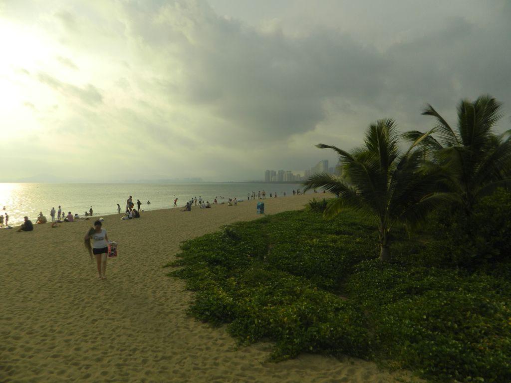 Центральный пляж города Санья, Хайнань
