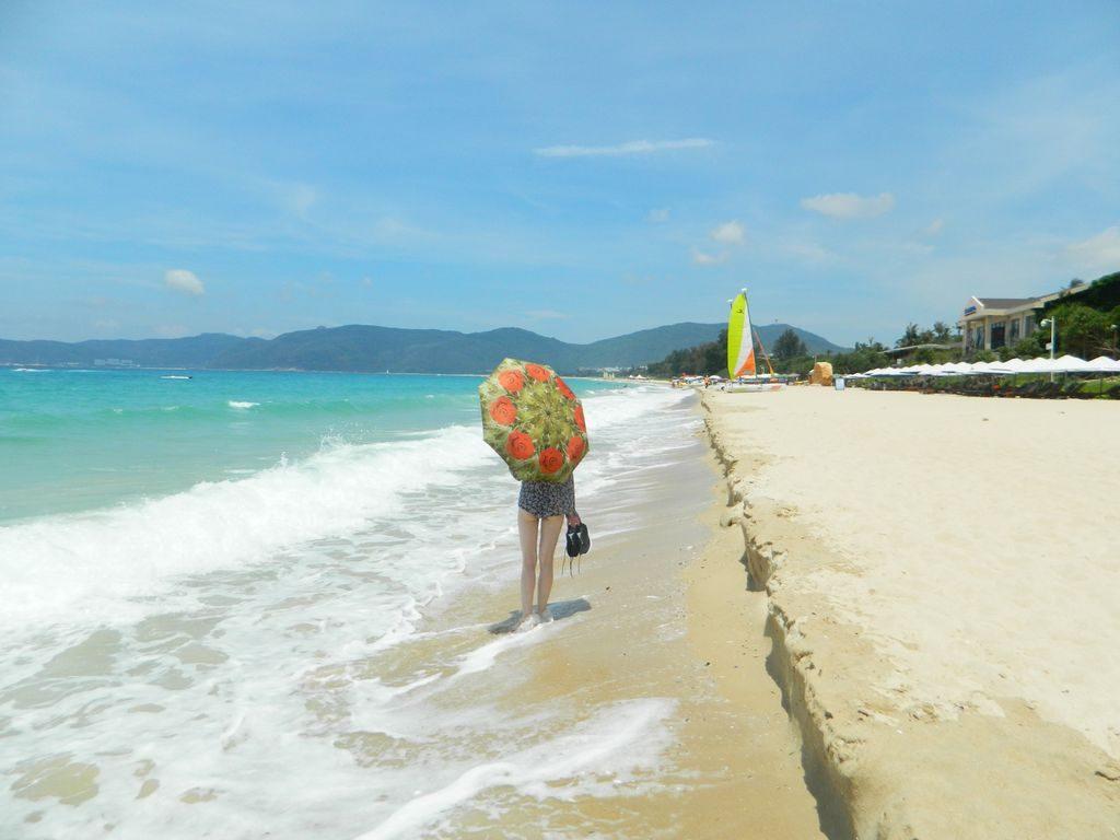 Пляж Ялунвань, Хайнань