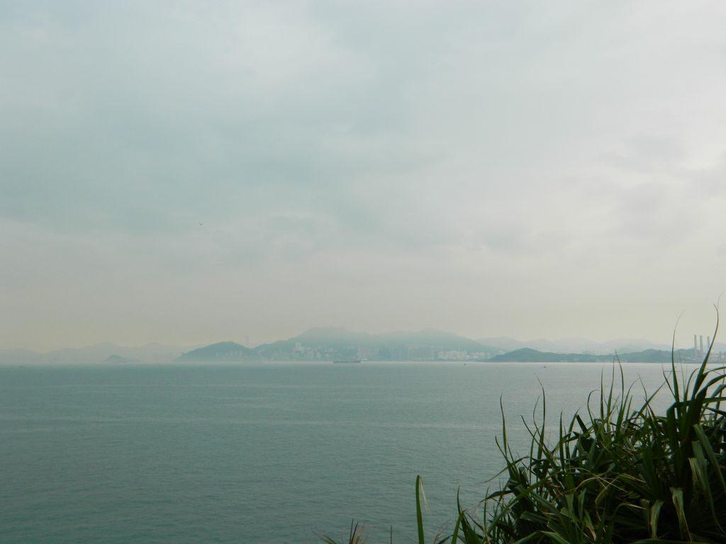 Остров Ламма с острова Ченг Чау, Гонконг