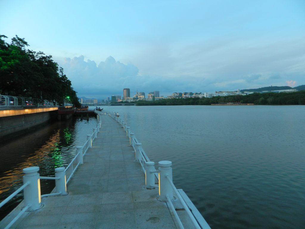 Набережная реки Sanya, Хайнань