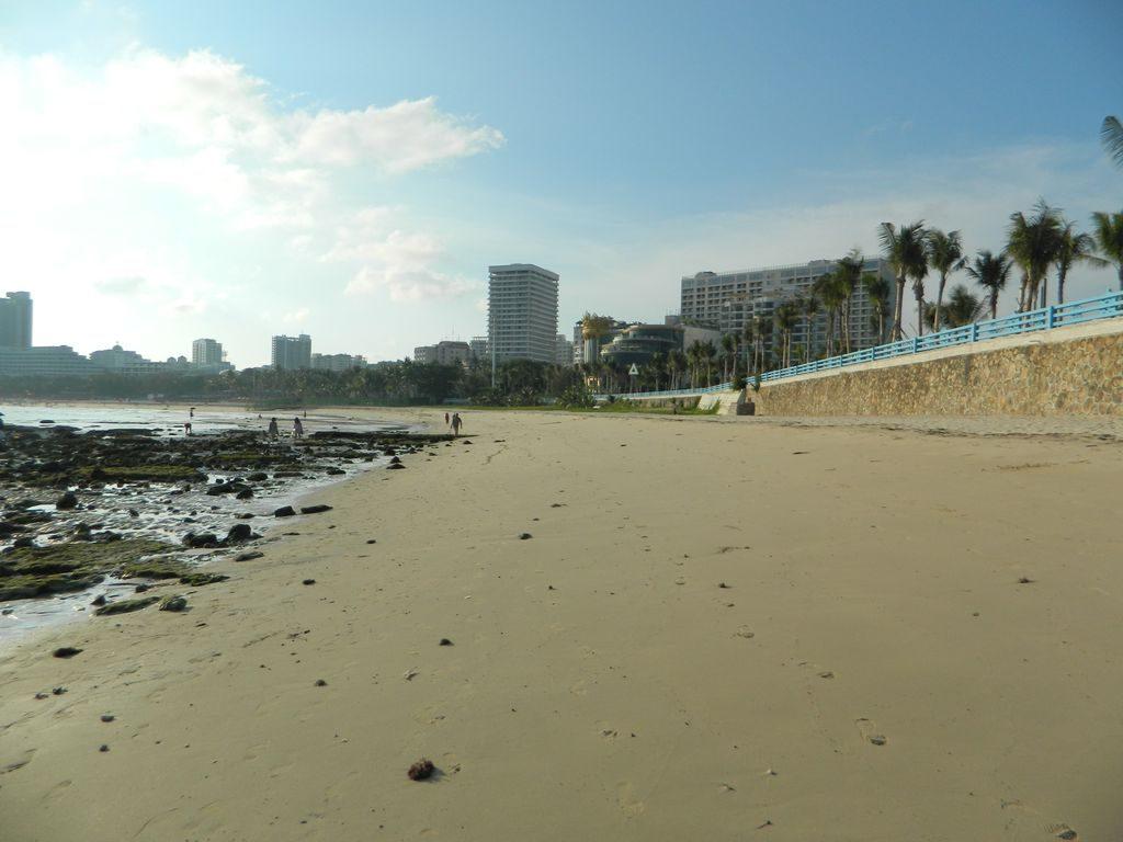 Песчаных мошек на пляже Дадунхай нет