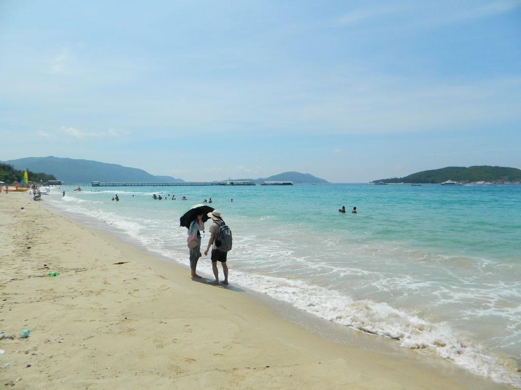 Зонты в мае на Хайнане используются в основном от солнца