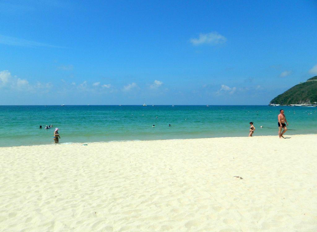 Все пляжи на Хайнане песчаные