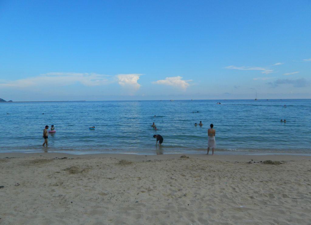 Море в бухте Дадунхай, Хайнань