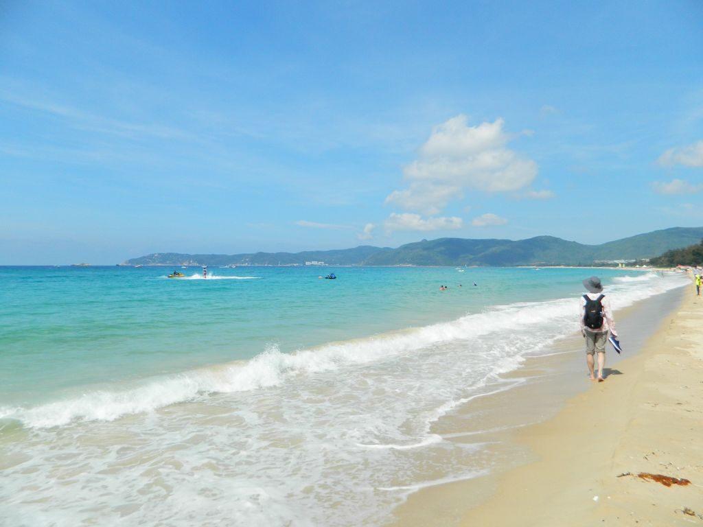 Пляж Ялунвань в мае, Хайнань