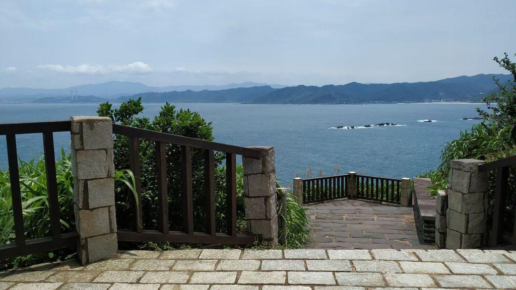Лестница на смотровую площадку в Yehliu Geopark, Тайвань