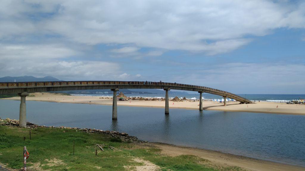 Мост на пляж Фулонг, Тайвань