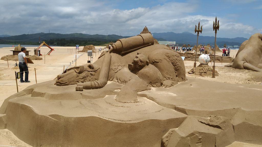 Песчаные скульптуры на Тайване, пляж Фулонг